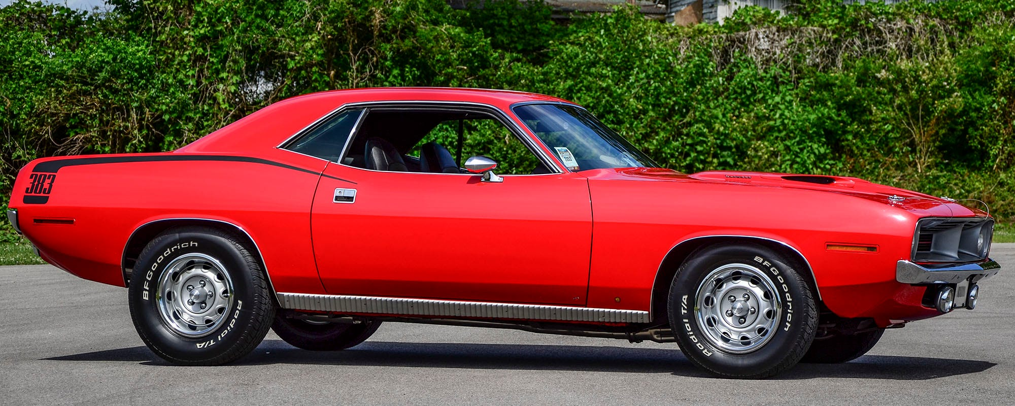 1970 Plymouth 'Cuda with Bf Goodrich Radial T/A tires