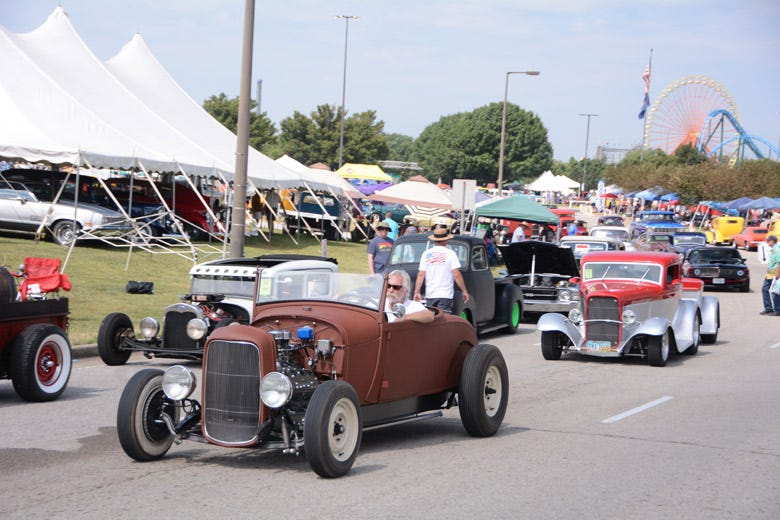 HUGE Crowds at the 50th Anniversary Street Rod Nationals