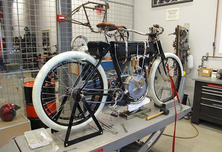 1903 Harley Davidson