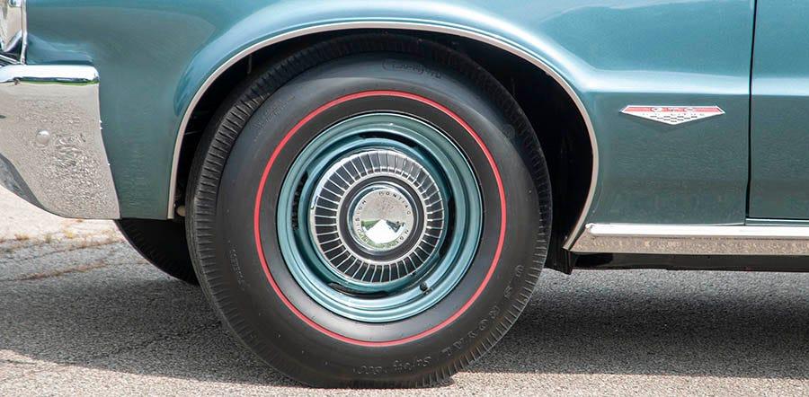 1964 Pontiac GTO tires